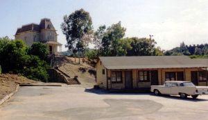 800px-Bates_Motel